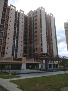 Gallery Cover Image of 905 Sq.ft 3 BHK Apartment for buy in Botanical Garden Area for 6072000