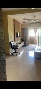 Gallery Cover Image of 1250 Sq.ft 2 BHK Apartment for rent in Rajwadi, Gariahat for 55000