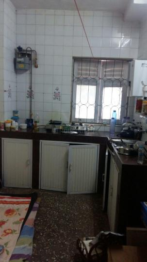 Kitchen Image of 650 Sq.ft 1 BHK Apartment for rent in Vile Parle West for 36000