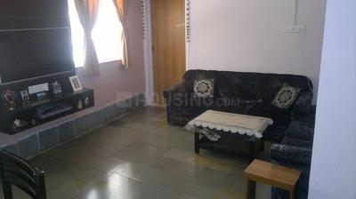 Gallery Cover Image of 800 Sq.ft 2 BHK Apartment for rent in Santacruz West for 60000