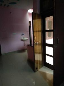 Gallery Cover Image of 1200 Sq.ft 1 BHK Independent Floor for rent in Ballabhgarh for 4500