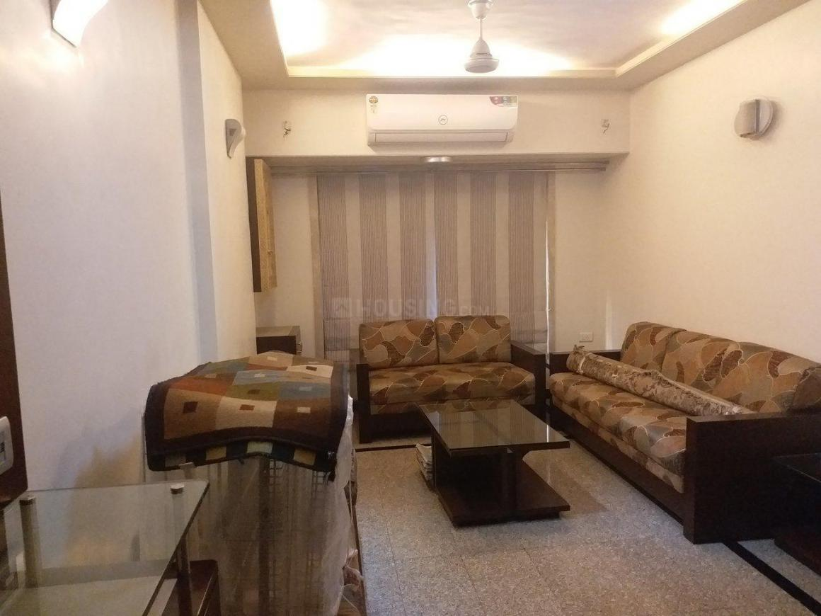 Living Room Image of 650 Sq.ft 1 BHK Apartment for rent in Andheri West for 45000