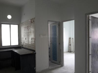 Gallery Cover Image of 760 Sq.ft 2 BHK Apartment for rent in Behala for 8000