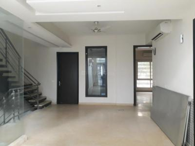 Gallery Cover Image of 5150 Sq.ft 5+ BHK Apartment for rent in Mahagun Moderne, Sector 78 for 60000