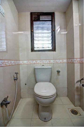 आस्था हॉस्पिटैलिटी सेरविसेस इन अंधेरी ईस्ट के बाथरूम की तस्वीर