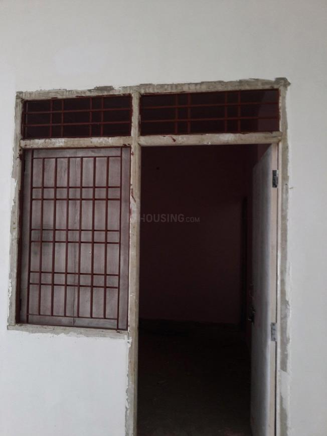 Main Entrance Image of 250 Sq.ft 1 RK Apartment for rent in Sector 66 for 6000