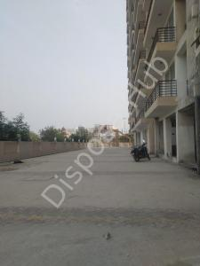 Gallery Cover Image of 1300 Sq.ft 3 BHK Apartment for buy in Kaushambi for 5233000