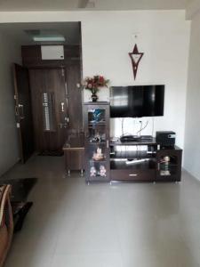 Gallery Cover Image of 900 Sq.ft 1 BHK Apartment for rent in  Shri Hari Arjun, Ghatlodiya for 7500