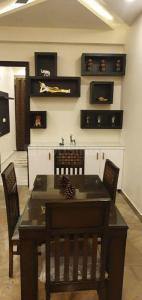 Gallery Cover Image of 1250 Sq.ft 2 BHK Independent Floor for buy in Aman Vihar for 4000000