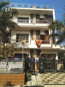 Gallery Cover Image of 1800 Sq.ft 2 BHK Independent Floor for rent in Kharar for 16500