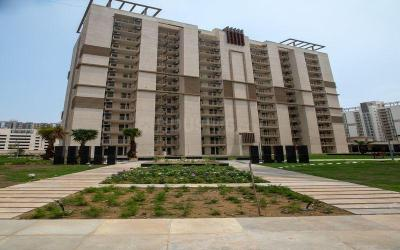 Gallery Cover Image of 1650 Sq.ft 3 BHK Apartment for buy in Emaar Gurgaon Greens, Sector 102 for 9500000