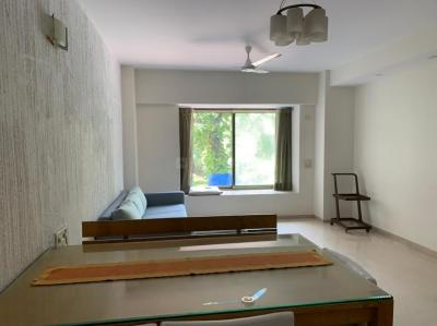 Gallery Cover Image of 750 Sq.ft 2 BHK Apartment for rent in Mittal Ruia Park, Juhu for 105000