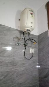 Bathroom Image of Life PG in Laxmi Nagar