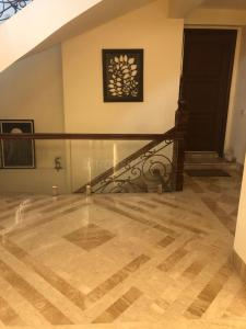 Gallery Cover Image of 4650 Sq.ft 3 BHK Villa for rent in Unitech Nirvana Country, Sector 50 for 75000