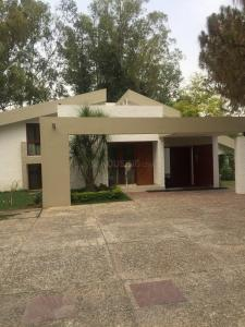 Gallery Cover Image of 5800 Sq.ft 4 BHK Independent House for rent in DLF Farms for 400000