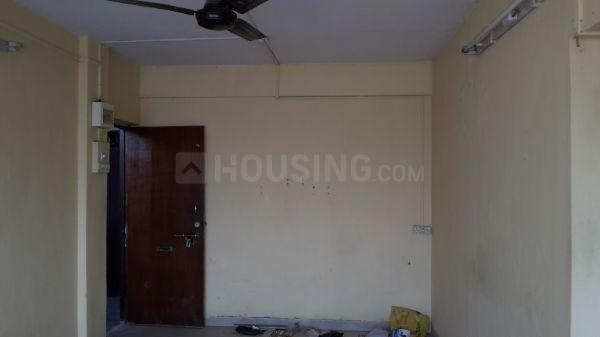 Living Room Image of 565 Sq.ft 1 BHK Apartment for rent in Kandivali East for 17000