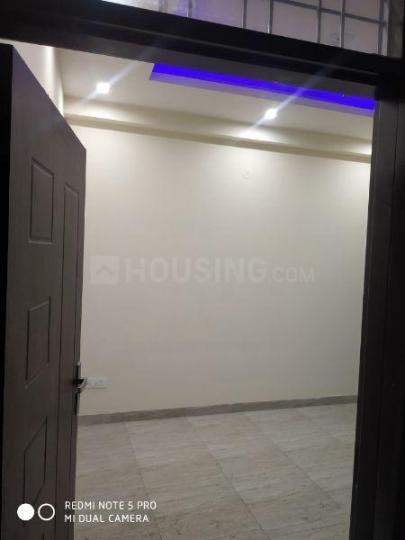 Living Room Image of 640 Sq.ft 2 BHK Apartment for rent in Patel Nagar for 18000