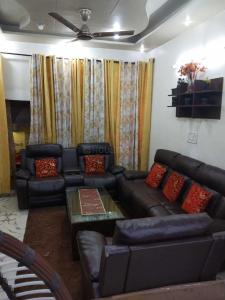 Gallery Cover Image of 1000 Sq.ft 3 BHK Independent House for buy in Haibowal Kalan for 4500000