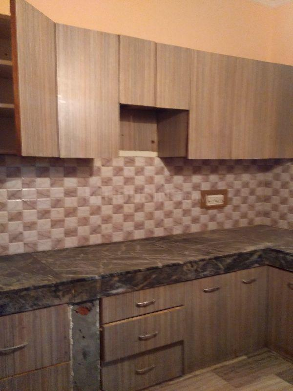 Kitchen Image of 900 Sq.ft 2 BHK Independent Floor for rent in Sector 17 for 17000