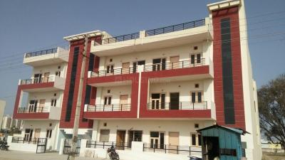Gallery Cover Image of 1755 Sq.ft 3 BHK Independent Floor for buy in Mansha Luxury Floors, Sector 73 for 3800000