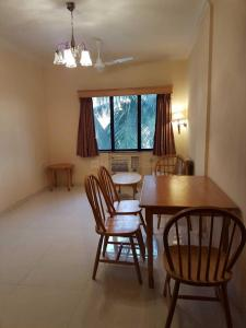 Gallery Cover Image of 500 Sq.ft 1 BHK Apartment for rent in Bandra West for 60000