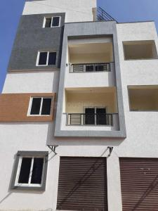 Gallery Cover Image of 1300 Sq.ft 3 BHK Apartment for buy in Sanath Nagar for 7200000