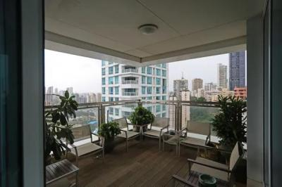 Gallery Cover Image of 2500 Sq.ft 4 BHK Apartment for rent in Imperial Tower, Tardeo for 500000