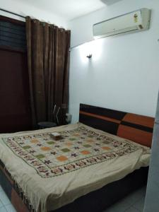 Gallery Cover Image of 2200 Sq.ft 3 BHK Independent Floor for rent in Sector 57 for 35000