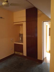 Gallery Cover Image of 700 Sq.ft 1 BHK Apartment for rent in Sector 34 for 12000