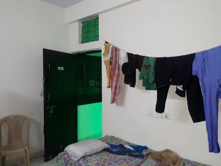सेक्टर 58 में तक्षशीला के बेडरूम की तस्वीर