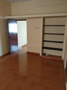 Gallery Cover Image of 1000 Sq.ft 2 BHK Apartment for rent in Pallavaram for 18000