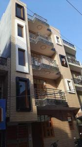 Gallery Cover Image of 750 Sq.ft 2 BHK Independent Floor for buy in Sector 3 Rohini for 5500000