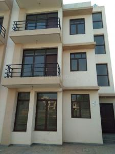 Gallery Cover Image of 1270 Sq.ft 2 BHK Independent Floor for rent in Wave Floors, Wave City for 6000