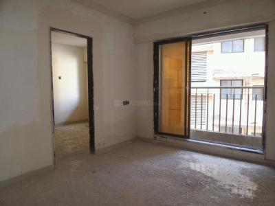 Gallery Cover Image of 650 Sq.ft 1 BHK Apartment for buy in Kandivali West for 9400000