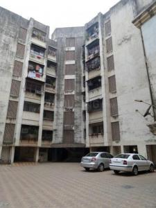 Gallery Cover Image of 950 Sq.ft 2 BHK Apartment for rent in Malad West for 36000