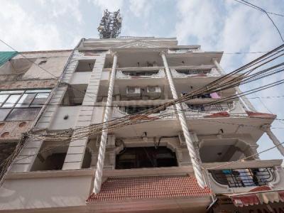 लक्ष्मी नगर में स्टैन्ज़ लिविंग क्यूटो हाउस में बिल्डिंग की तस्वीर