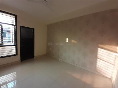 Gallery Cover Image of 1350 Sq.ft 3 BHK Apartment for rent in Rajendra Nagar for 15500