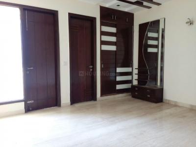 Gallery Cover Image of 3000 Sq.ft 3 BHK Independent House for buy in Jasola for 23000000