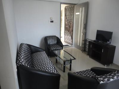 Gallery Cover Image of 930 Sq.ft 2.5 BHK Apartment for rent in Kondhwa for 20000
