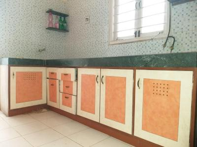 Gallery Cover Image of 1295 Sq.ft 2 BHK Apartment for rent in Satellite for 14000