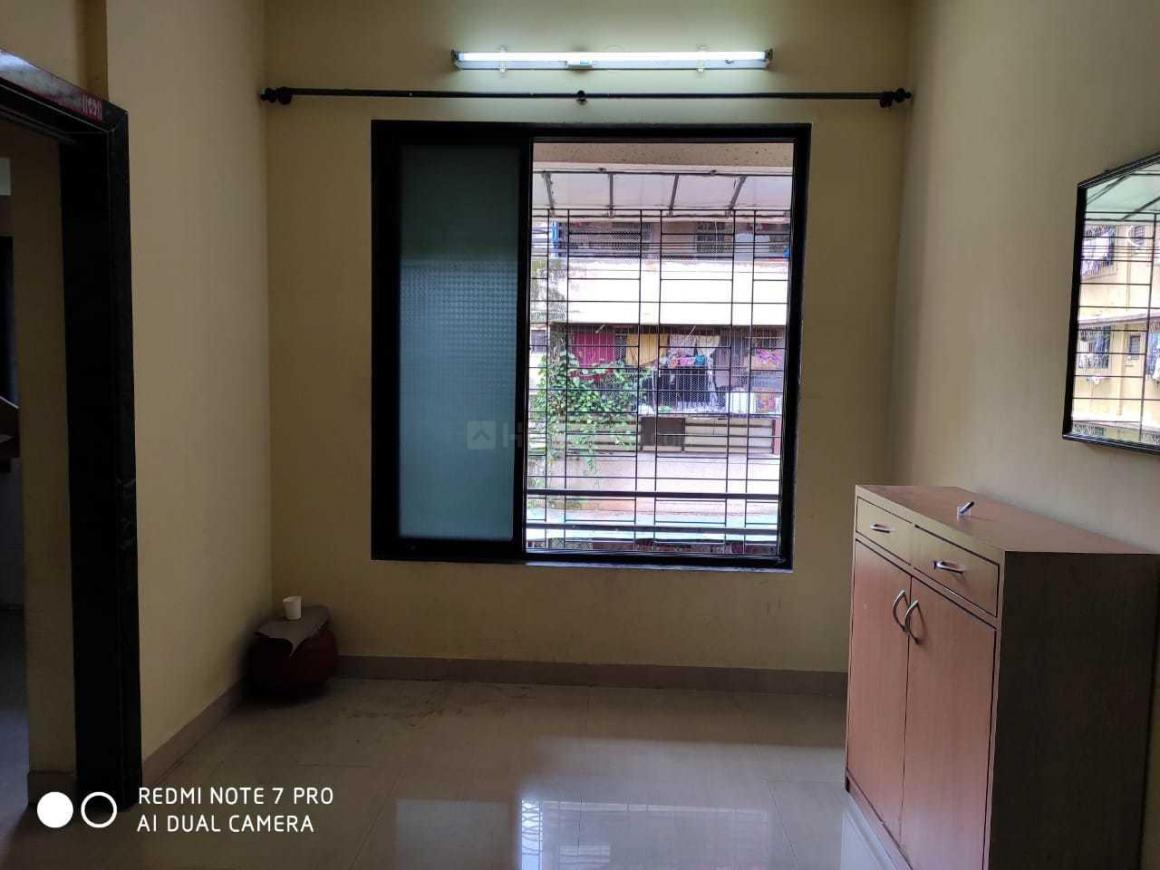 Living Room Image of 695 Sq.ft 1 BHK Apartment for rent in Airoli for 16500