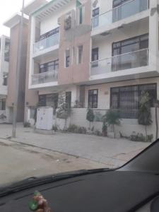 Gallery Cover Image of 1077 Sq.ft 2 BHK Independent Floor for rent in Aditya Gracious Floors, Lal Kuan for 2700