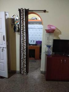 Gallery Cover Image of 600 Sq.ft 1 BHK Independent Floor for rent in Deepanjali Nagar for 6500