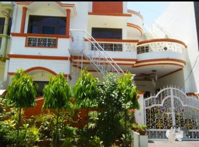 Gallery Cover Image of 26000 Sq.ft 6 BHK Independent House for buy in Shastri Nagar for 10000000