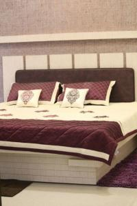 Gallery Cover Image of 1125 Sq.ft 2 BHK Apartment for buy in Kotecha Royal Essence, Vaishali Nagar for 4275000