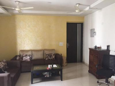Gallery Cover Image of 1385 Sq.ft 3 BHK Apartment for rent in Prateek Wisteria, Sector 77 for 22000