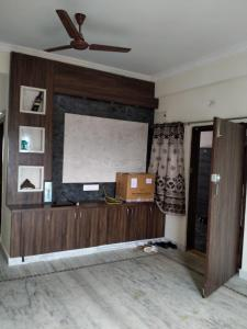 Gallery Cover Image of 1300 Sq.ft 2 BHK Apartment for rent in Madhapur for 20000