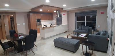 Gallery Cover Image of 1750 Sq.ft 3 BHK Apartment for buy in Malad West for 23000000