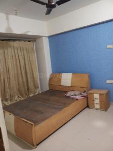 Gallery Cover Image of 1000 Sq.ft 2 BHK Apartment for rent in Kandivali West for 32000