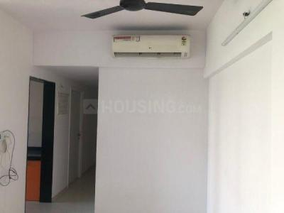 Gallery Cover Image of 1250 Sq.ft 3 BHK Apartment for rent in Rustomjee Urbania Azziano, Thane West for 40000